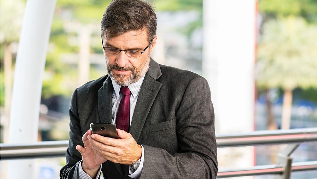 Kontaktaufnehmen mit qualityfox. für Jobvermittlungen, Stellenbörse oder Interim-Management im Qualitätswesen. Photo by rawpixel on Unsplash
